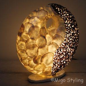 Tafellamp Donut capizschelp wit/zwart middel