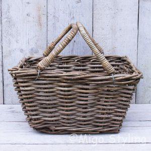 Picknickmand open met hengsels