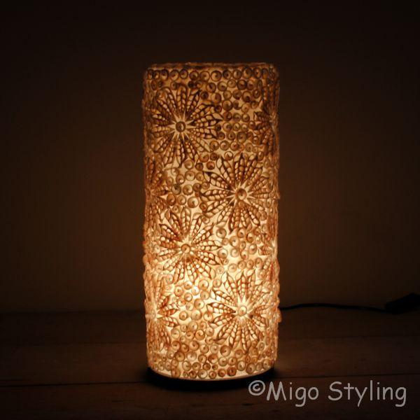 Tafellamp Troca schelpen design 42 cm zandkleur