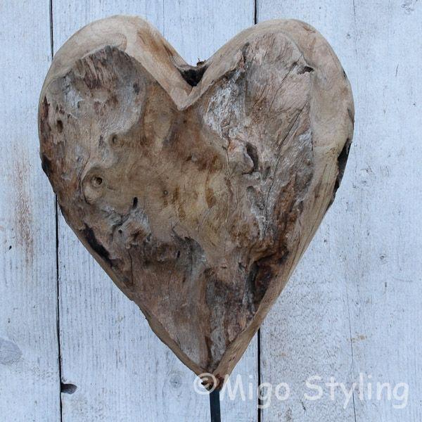 Houten hart op standaard