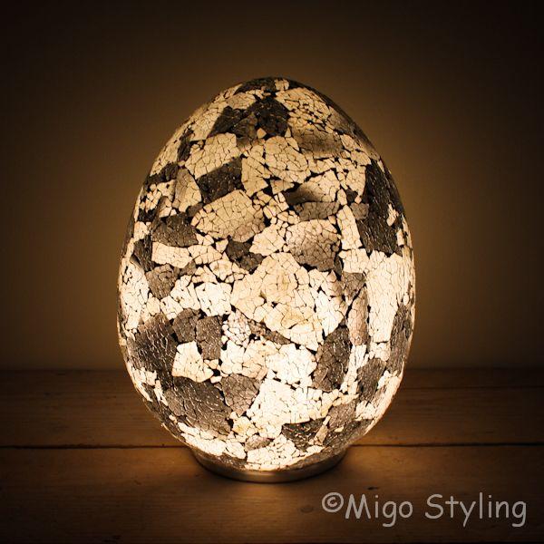 Mozaiek design tafellamp Egg zwart grijs wit