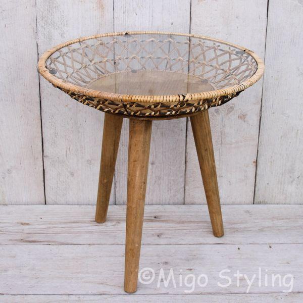 Koffietafel rond decoratie met glasplaat