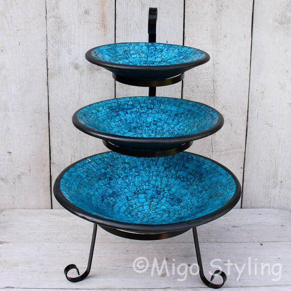 Mozaikschalen blauw rond op een etagere